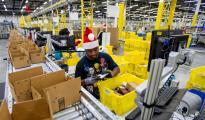 购物季密集到来 亚马逊10万临时工待遇差引争议