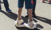 亚马逊英国分部让消费者处理掉不符规定的悬浮滑板